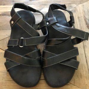 Aerosoles strappy sandals. 7